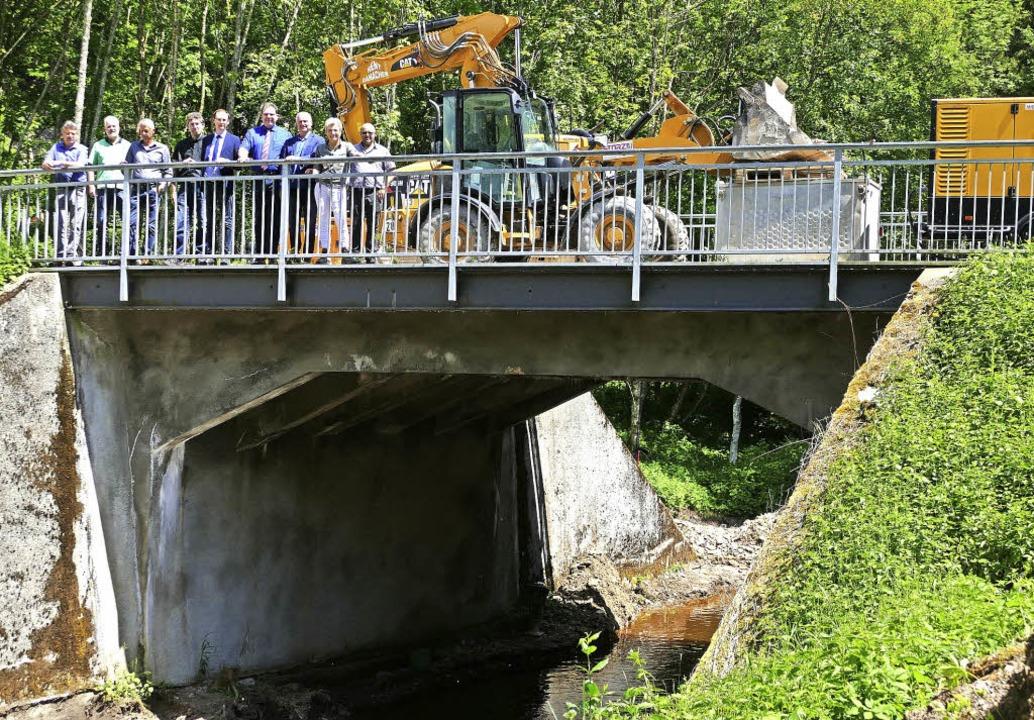 Baustellentermin mit den Entscheidungs...n an der Postlochbrücke in Unadingen.   | Foto: Martin Wunderle