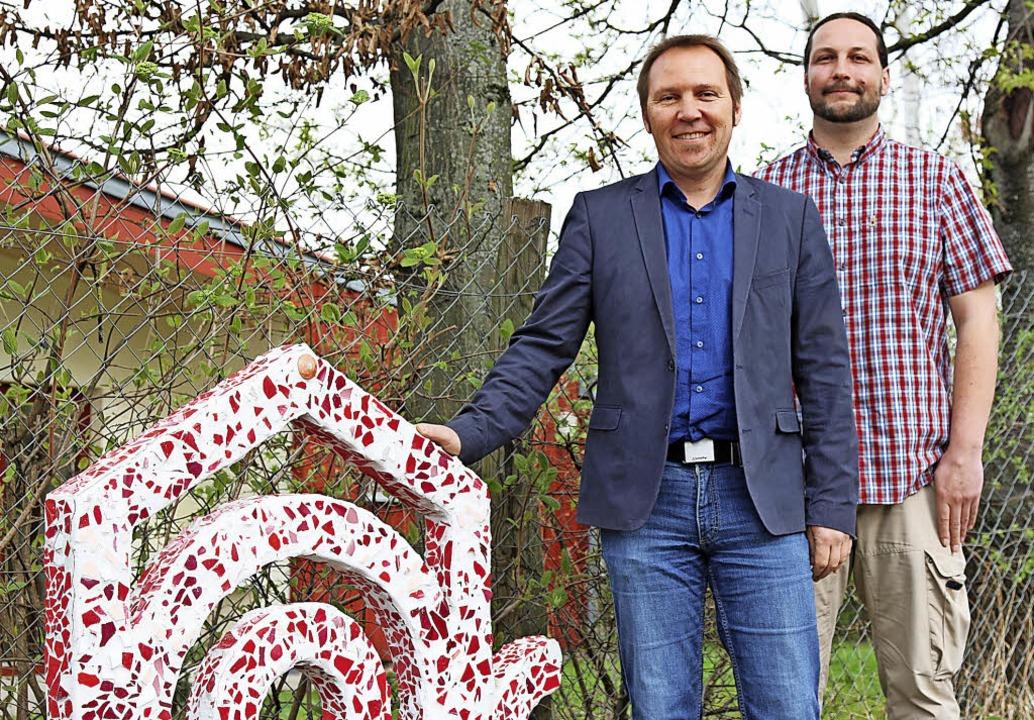 Bernd Schandera (links) und Veit Biers...he, die nicht bei ihren Eltern wohnen.  | Foto: Katharina Bartsch