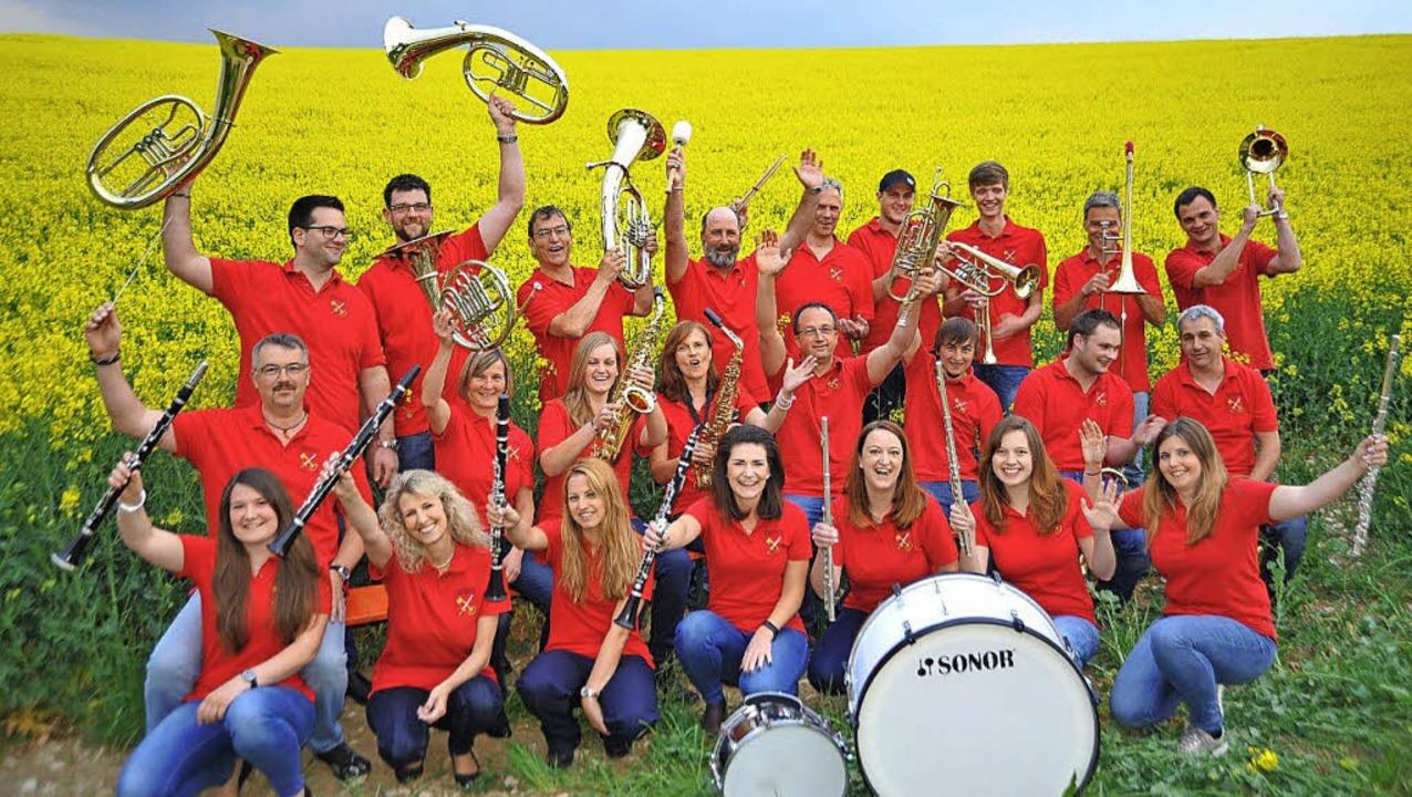 Der Musikverein Harmonie Lembach freut.... Juni im großen Festzelt in Lembach.   | Foto: MV Lembach