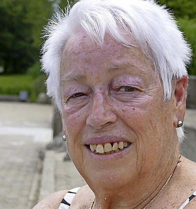 <BZ-Keyword>Helga Brucker (76)</BZ-Key...ich das Schwimmbad gut, so wie es ist.    Foto: Maren Seifert