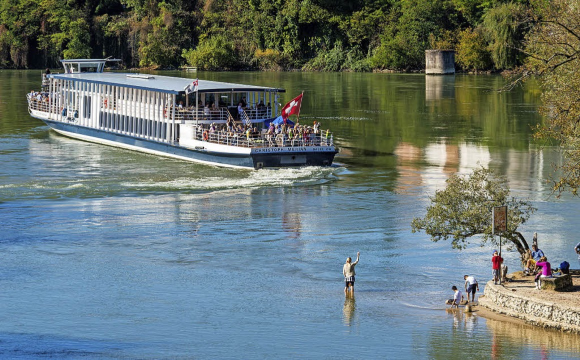 Der Tagestourismus, auch mit dem Schiff, ist wichtig für Schweizer Rheinfelden.   | Foto: Oliver Wehrli/Tourismus Rheinfelden