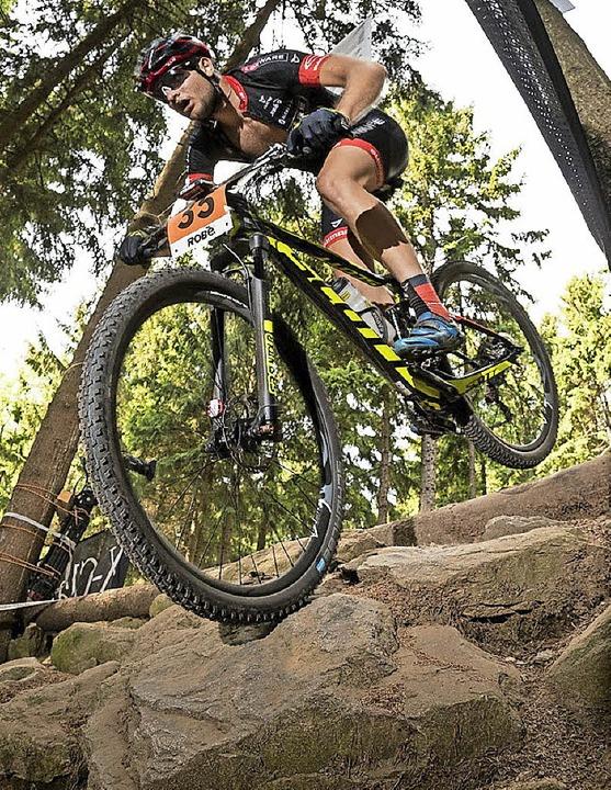 Luca Schwarzbauer in einer Sektion mit...r U-23-Mountainbiker nicht zufrieden.     Foto: Küstenbrück