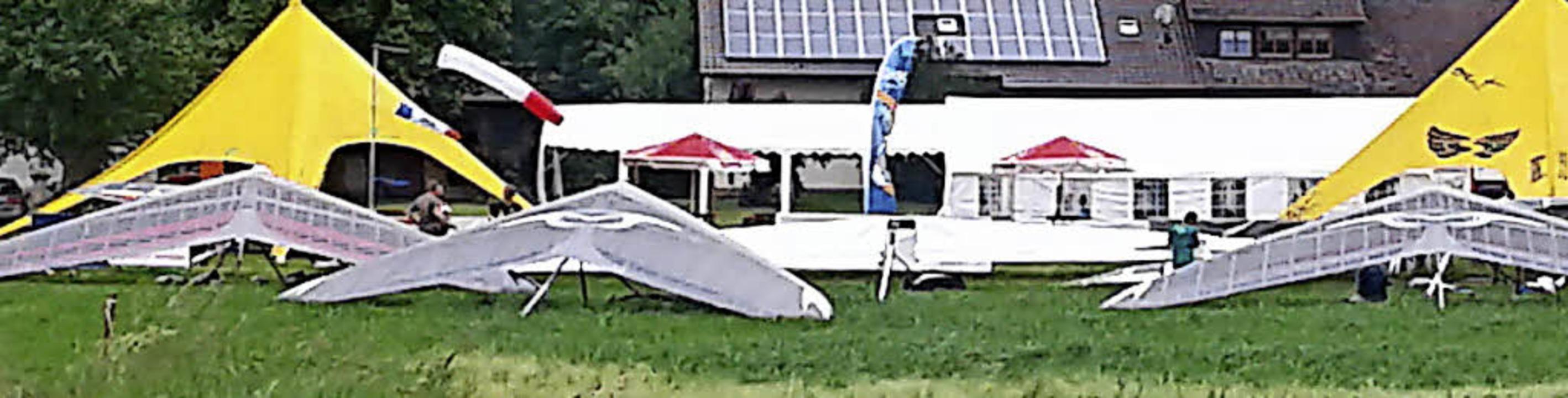 Am Landeplatz in Bleibach waren schon gestern Drachenflieger zu sehen.     Foto: DGFC Südschwarzwald