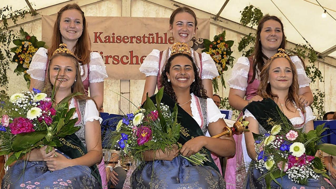 Die ehemaligen und die neu gewählten K..., Celine Erbsland und Lea Wachtmeister    Foto: Roland Vitt