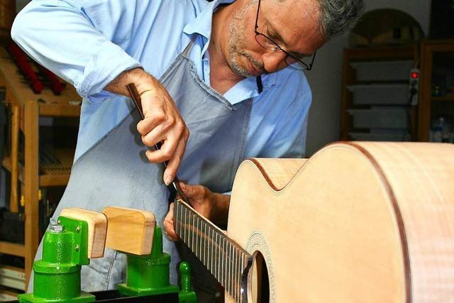 Sebastian Stenzel baut Gitarren – unter anderem für Reinhard Mey