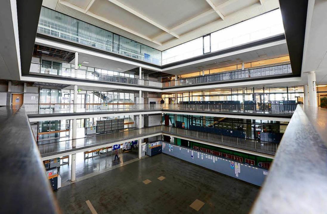 Das Kollegiengebäude II der Universitä... Fassade und Fenster erhalten bleiben.  | Foto: Ingo schneider