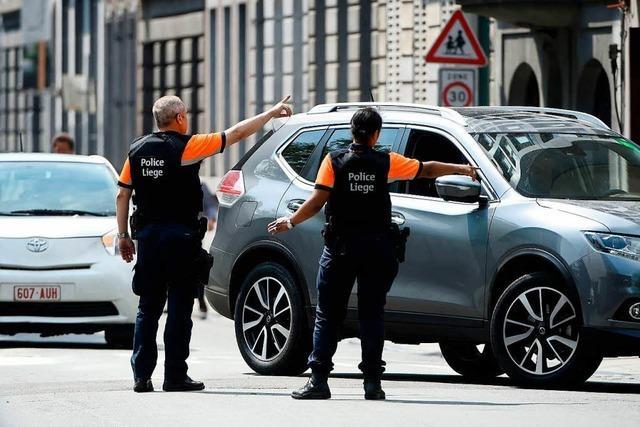 Terrorverdächtiger tötet zwei Polizisten und einen Passanten in Belgien
