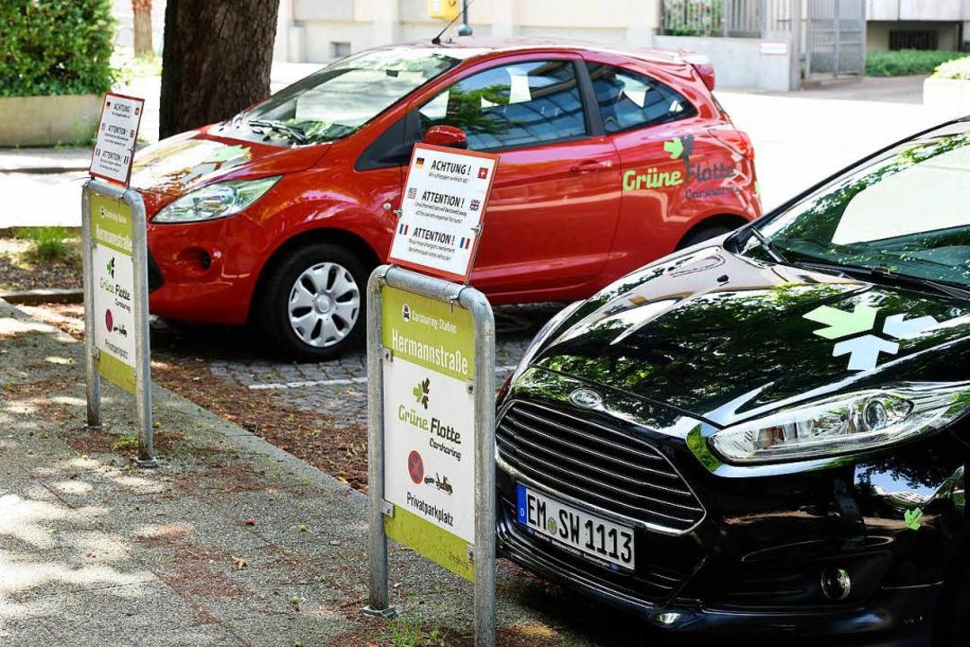 Carsharing-Parkplätze der Grünen Flotte in der Hermannstraße  | Foto: Thomas Kunz