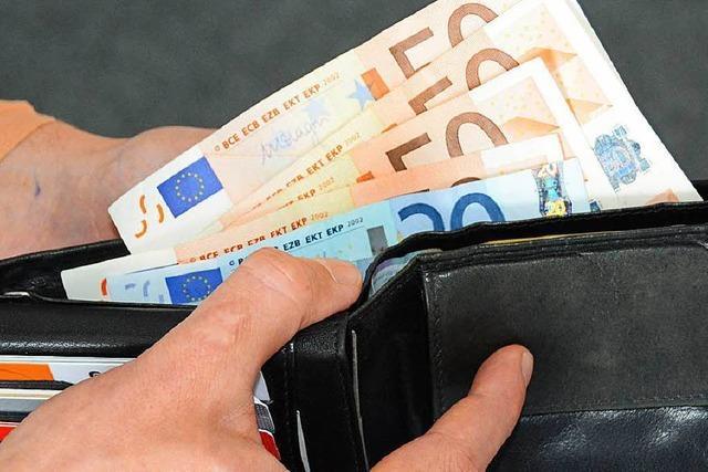Trickdieb beraubt Urlauber in Schluchsee um 940 Euro