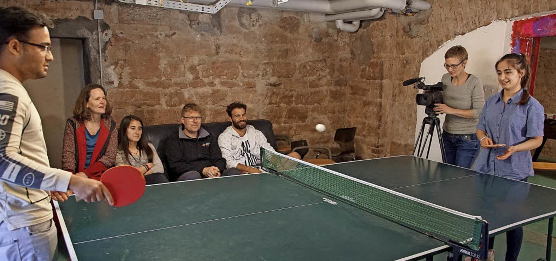 Auch Hobbys gehören zur Persönlichkeit...ntstanden Aufnahmen beim Tischtennis.   | Foto: Ilona Hüge