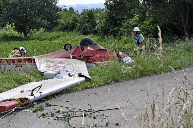 Kleinflugzeug stürzt nahe A 861 ab