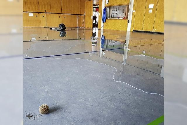Überschwemmung durch Tennisball