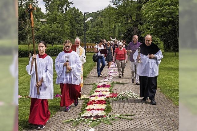 Festliche Prozession zu Fronleichnam
