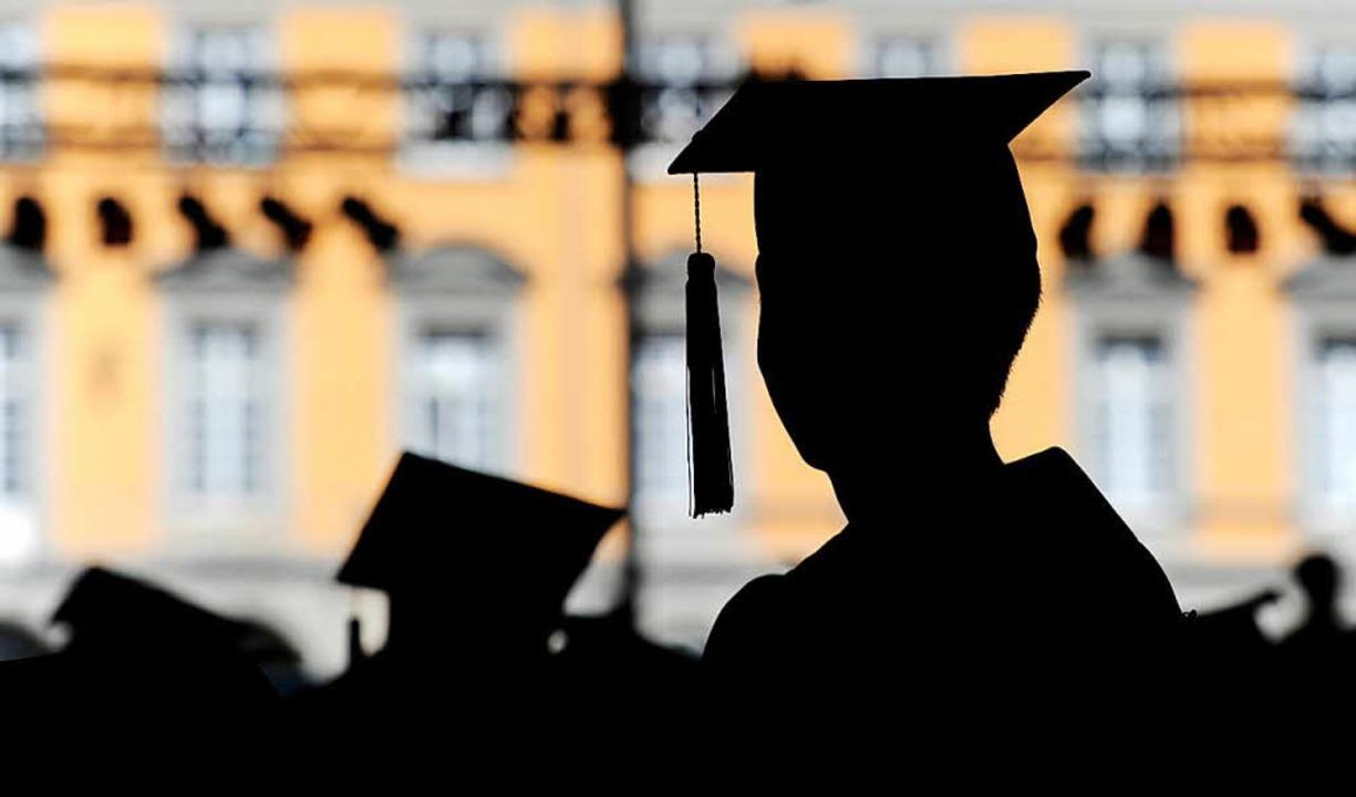 Sieben Freiburger Doktoranden können ihren Doktortitel behalten. (Symbolbild)  | Foto: dpa