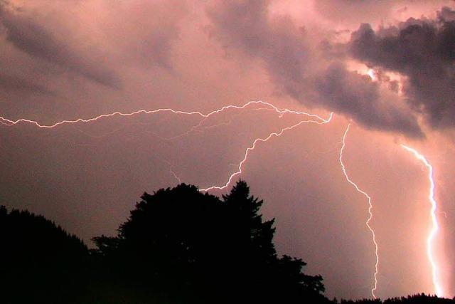 Vom Blitz getroffenem Mitarbeiter des Eugen-Keidel-Bads geht es gut