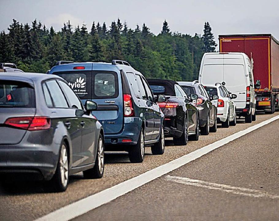 SPD-Politiker beklagen  Stillstand beim Ausbau der A5.   | Foto:  dpa