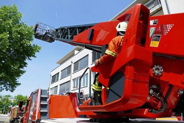 Rauch bei der Volksbank ruft Feuerwehr auf den Plan