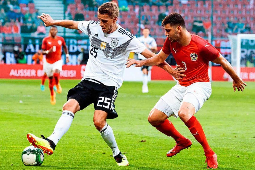 Das Nationalelf-Debüt eines Freiburger... Österreicher Aleksandar Dragovic ab.     Foto: dpa