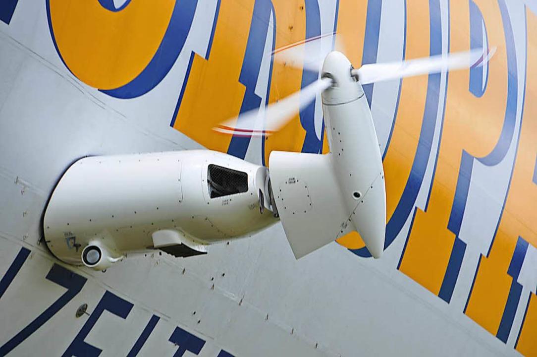 Drei Antriebseinheiten à 200 PS halten...e und machen ihn ausgesprochen wendig.    Foto: Helmut Seller