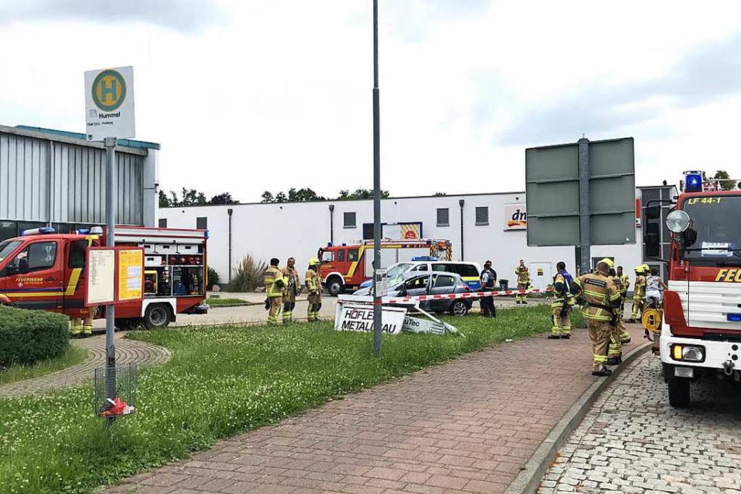 Einsatz in Heitersheim, nachdem sich dort ein Auto überrschlagen hatte.    Foto: Feuerwehr Heitersheim