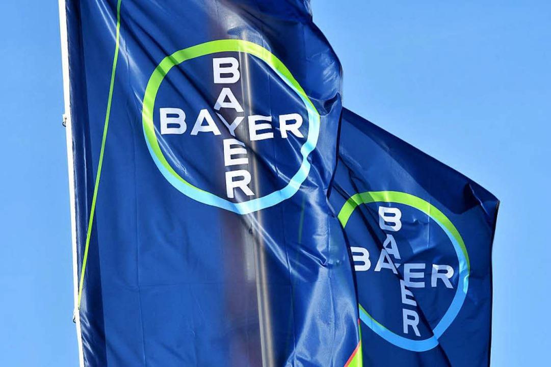 Nur noch Bayer wird die Firma heißen, ... das US-Unternehmen Monsanto aufgeht.     Foto: AFP