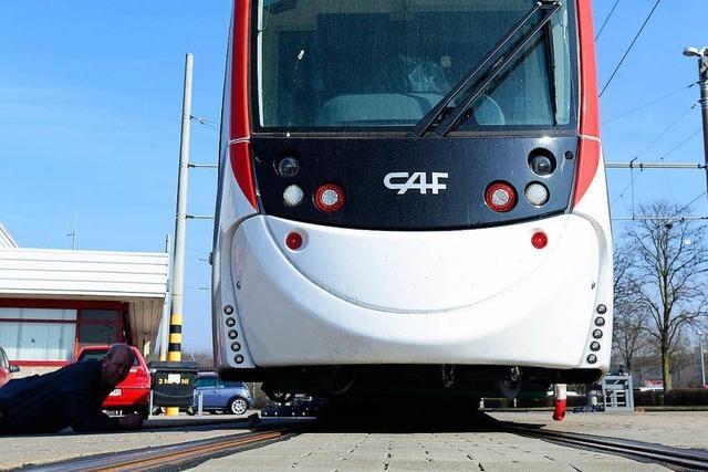 Freiburgs Verkehrs-AG kauft fünf neue Straßenbahnen des Typs Urbos