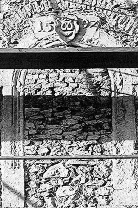Dieses Foto aus dem Jahr 1983 soll ein...h unter der heutigen Fassade verbirgt.  | Foto: Dieter Geuenich