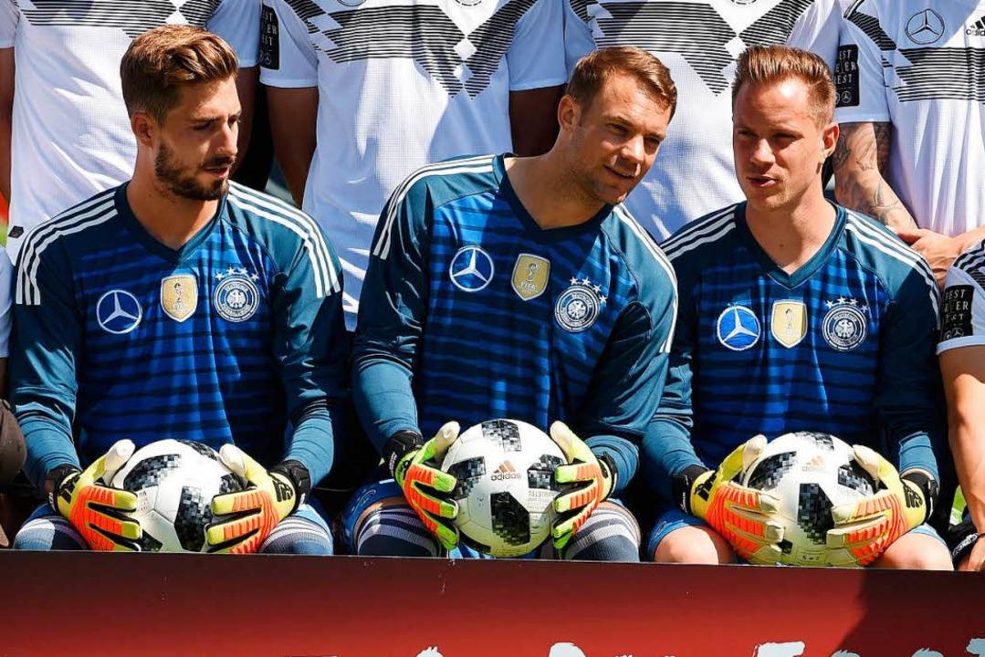 Die Torhüter beim Mannschaftsfoto  | Foto: AFP