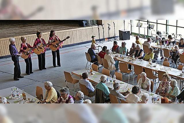 Senioren erleben tollen Tag auf Einladung der Gemeinde