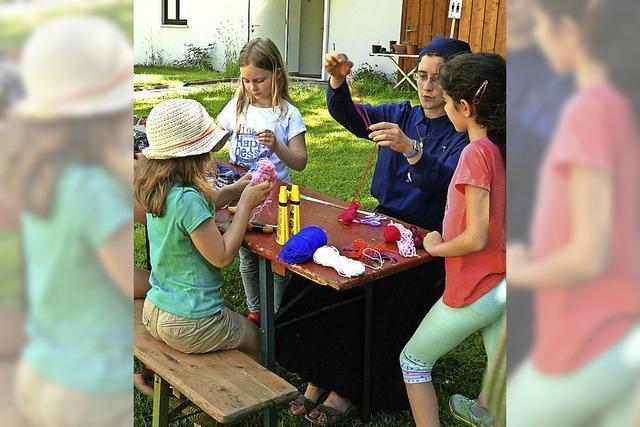 Spiel und Spaß bei Feuercamp