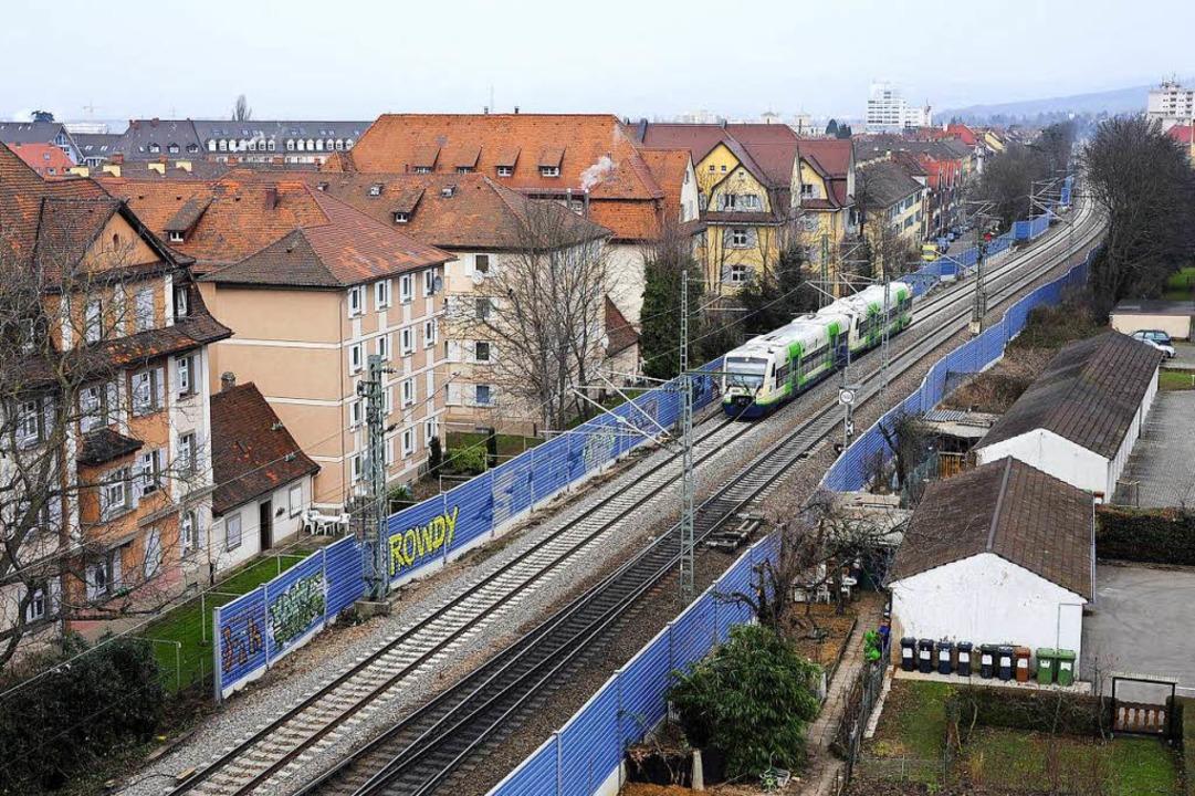 Im Stadtgebiet (hier entlang der Stefa...e Lärmschutzwände niedriger ausfallen.  | Foto: Thomas Kunz