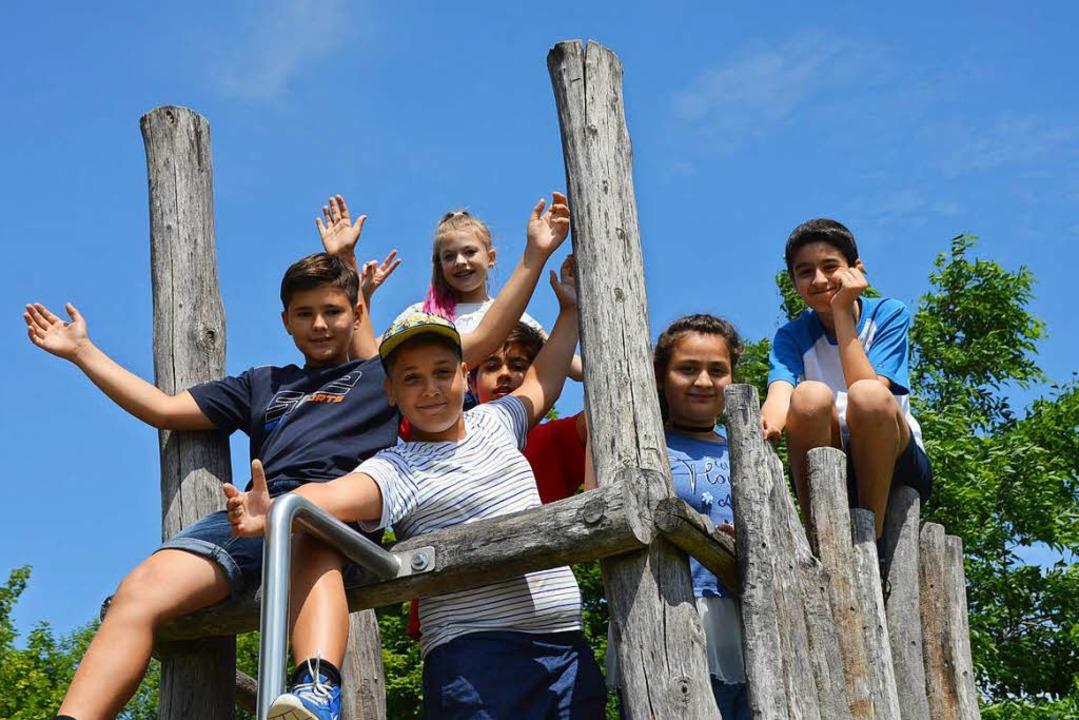 Das weitläufige Gelände mit Hüttenbaup... den Rheinfelder Kindern sehr beliebt.  | Foto: Horatio Gollin