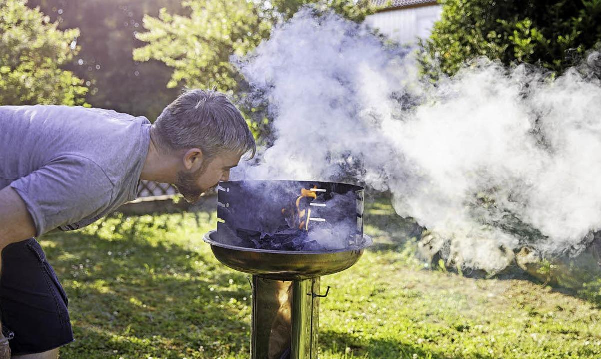 Grillen im Garten kann den Nachbarn stören.  | Foto: Schwäbisch Hall/Scheyhing