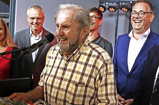 Karl Schweizer erhält den ersten Bürgerpreis