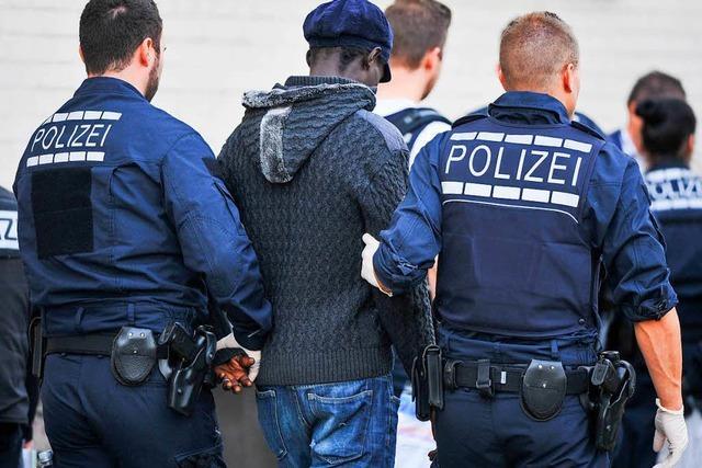 Sind Flüchtlinge wirklich öfter kriminell?