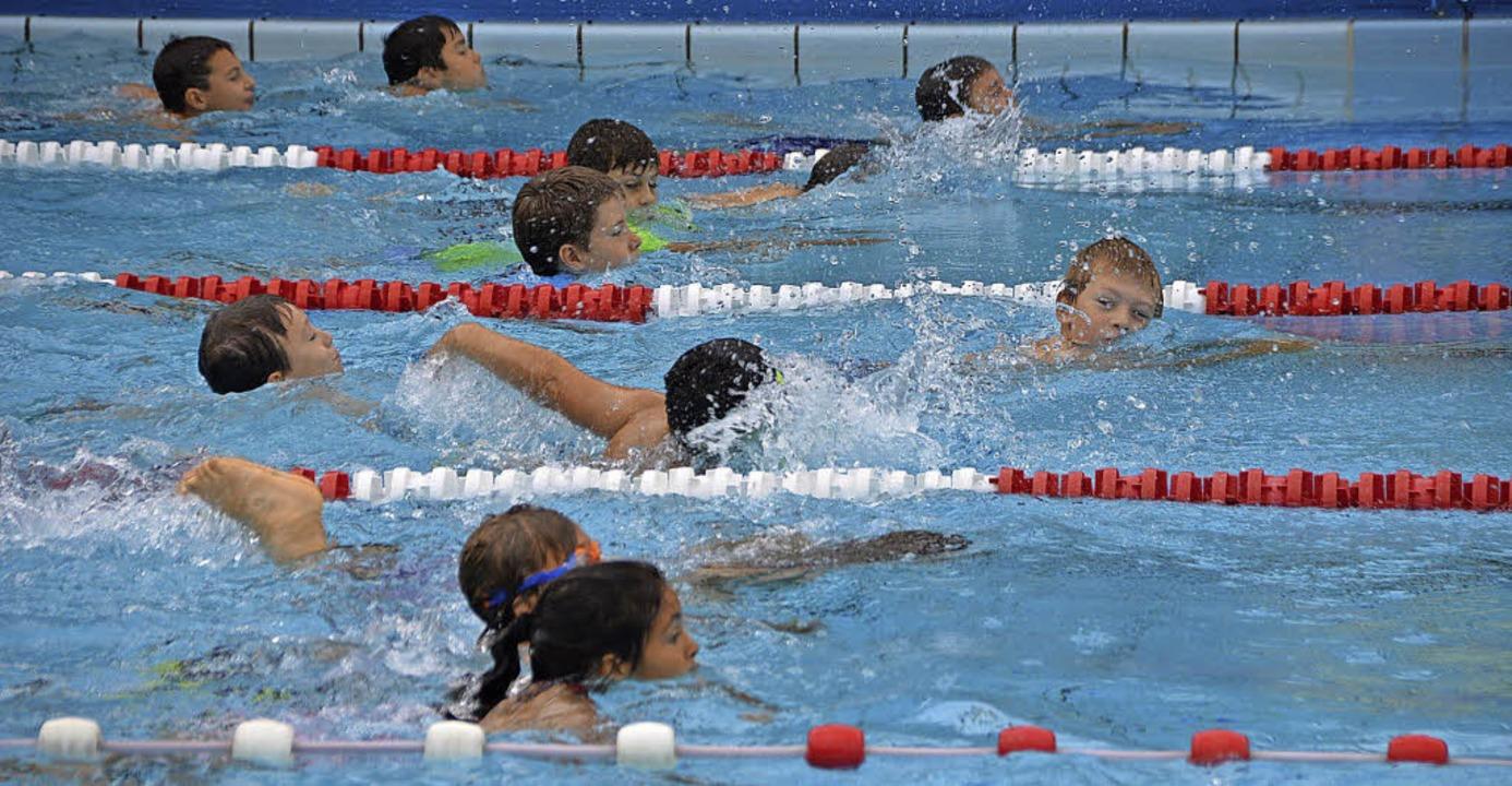 Swim & Run soll  auch dazu beitrag...hwimmunterricht nicht vernachlässigen.  | Foto: Horatio Gollin