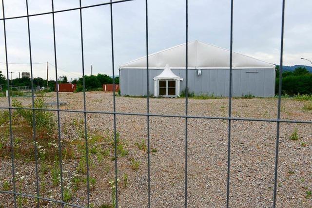Pfiffiges Provisorium: Millionen-Zelt für zweite Eisfläche