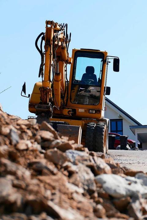 In vielen Gemeinden laufen Bauarbeiten.    Foto: Tanja Bury