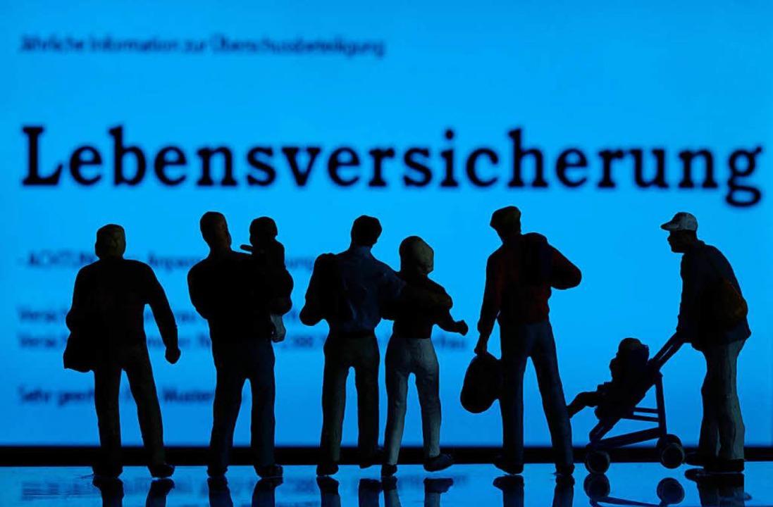 Bedeutende Geldanlageform in Deutschland: die Lebensversicherung  | Foto: DPA