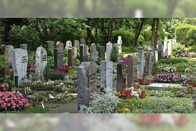 Die Standsicherheit von Grabsteinen lässt sich messen