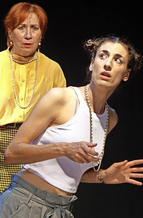 Die junge, verwöhnte  Grace (Maike Kra...oceyline (Karin Bongartz-Oberholzer).   | Foto: Frey