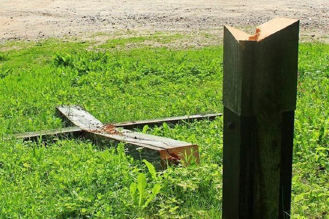 Unbekannte zerstören Kreuz auf dem Lipple