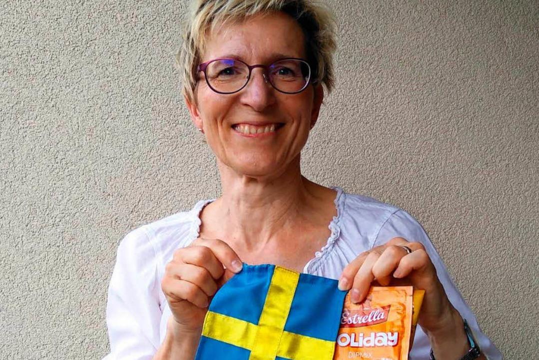 Julia Salzmann mit einem der schwedischen Dips    Foto: Salzmann