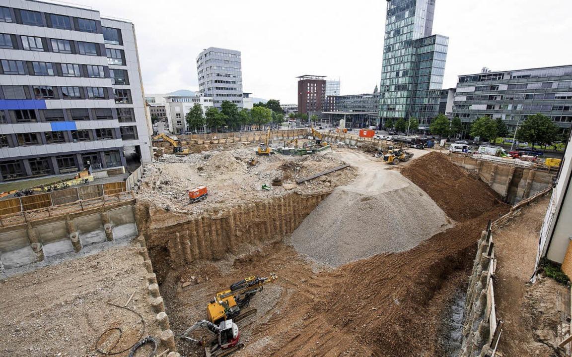 Abriss und Neubau der Volksbank am Hauptbahnhof, Baugrube    Foto: Klaus Polkowsky für Volksbank Freiburg
