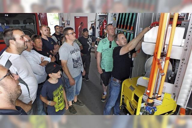 Neue Technik begeistert die Feuerwehrleute