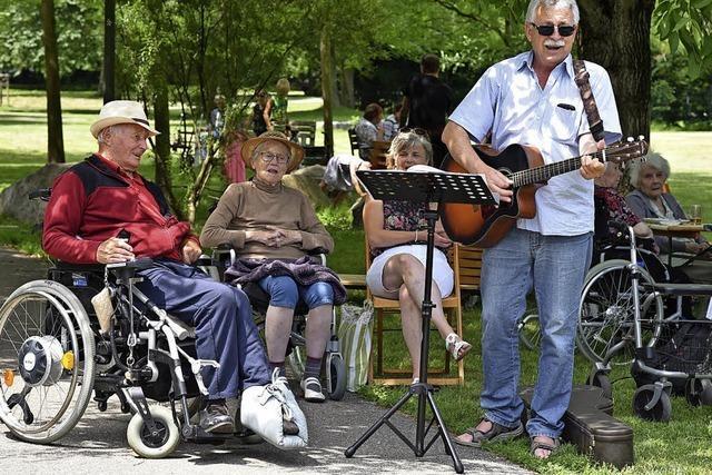 150 Senioren feiern im Emilienpark