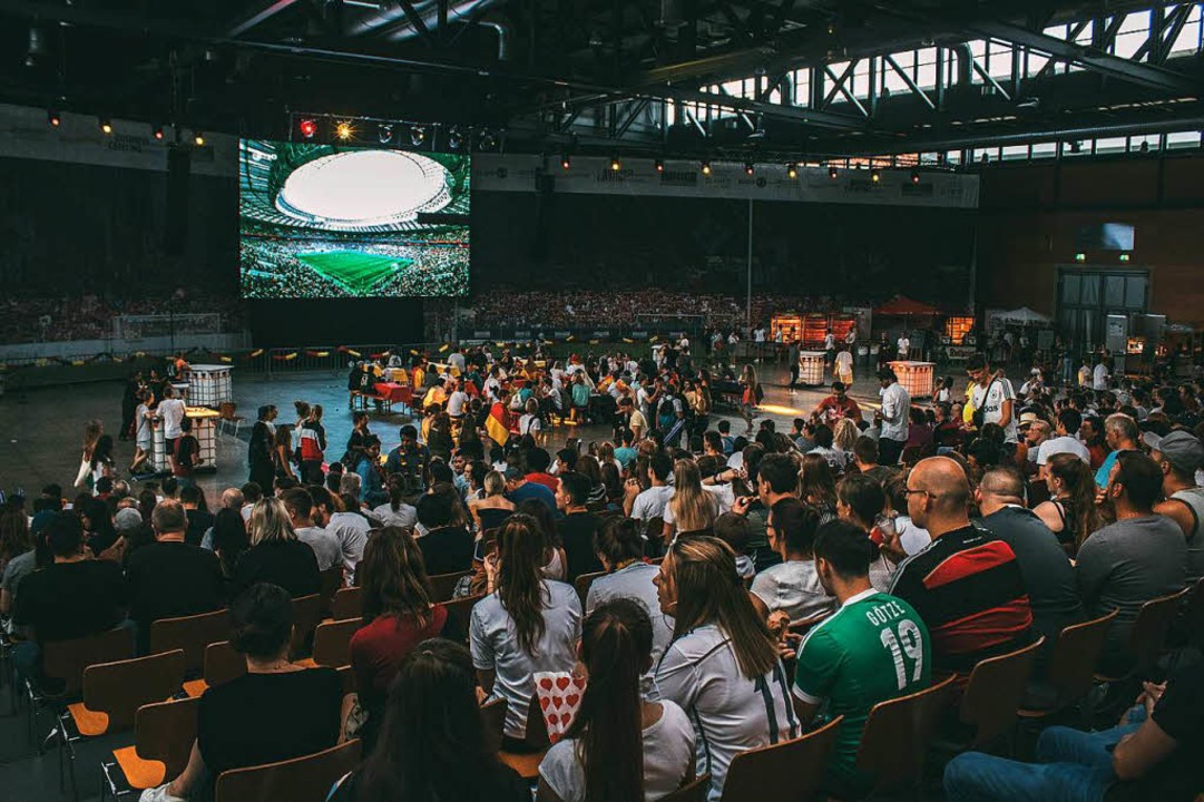 So war's beim Public Viewing in der Sick-Arena.  | Foto: Elham Hoxhalli