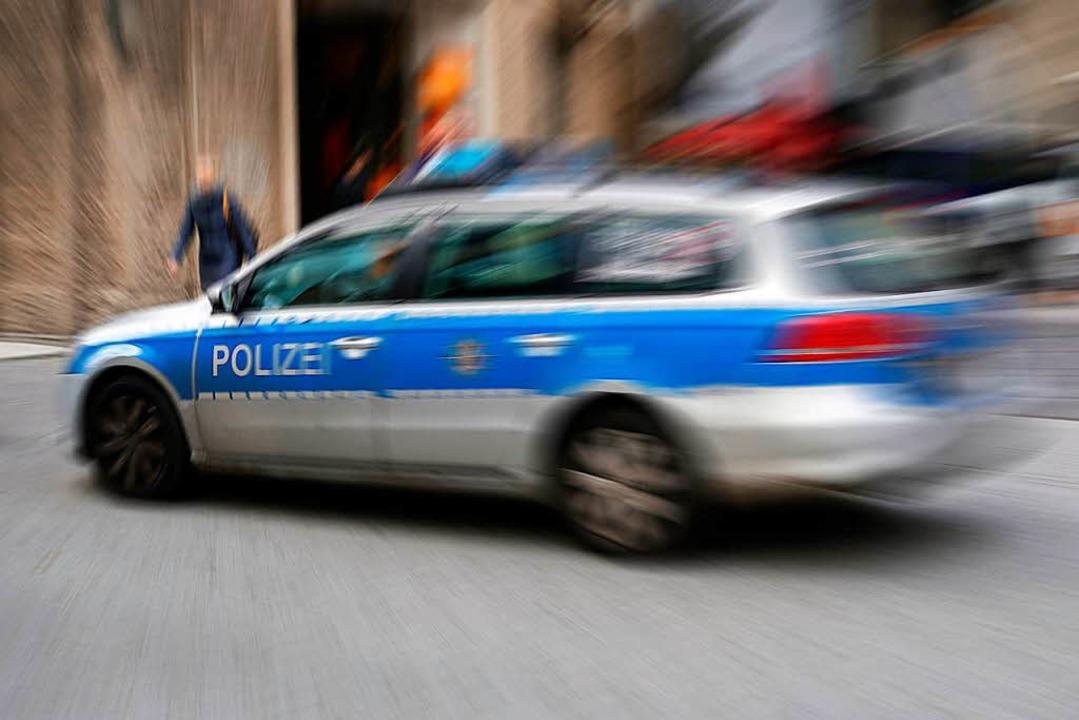 Einen Unfall meldet die Polizei in Lörrach (Symbolbild).  | Foto: Heiko Küverling (Fotolia)