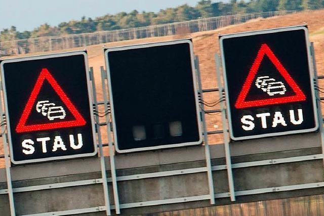 Zwei leicht Verletzte vor Autobahn-Grenzübergang