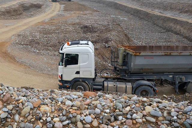 Baustellen-Lkw aus Ärger beschädigt?